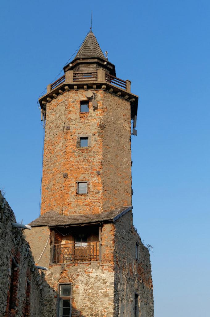 Udostępnione jest wejście na samą górę zamkowej wieży