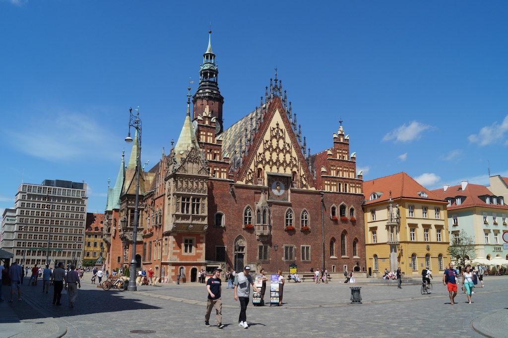 Zabytkowy Stary Ratusz na wrocławskim rynku