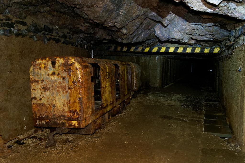 """Trasa turystyczna w dawnej kopalni uranu """"Podgórze"""" w Kowarach"""