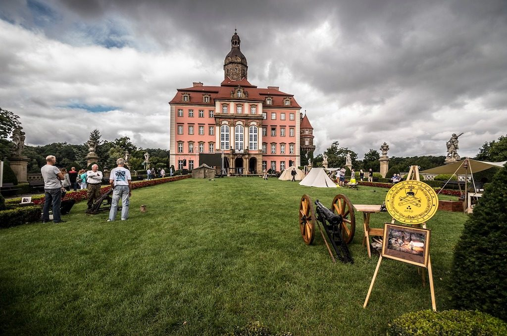 Widok na zamek od strony dziedzińca honorowego – Foto: Adrian Sitko
