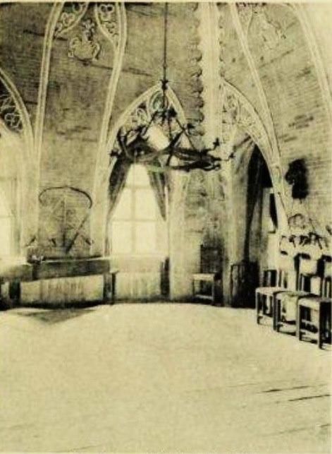 Tak prezentowało się wnętrze jednego z pomieszczeń przed zniszczeniem zamku