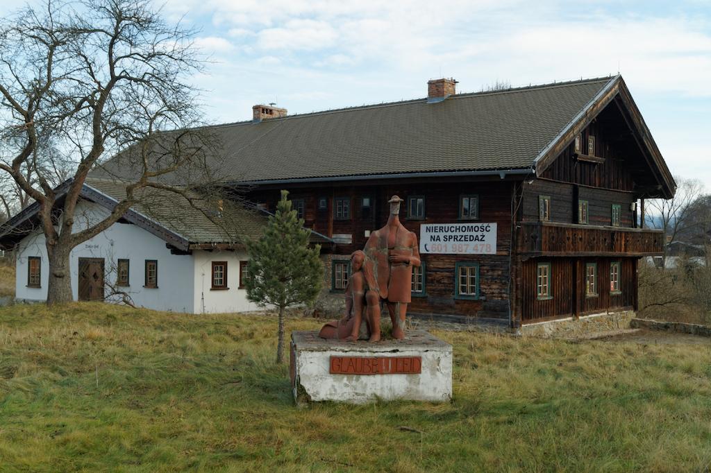 Dom Tyrolski – Jeden z zachowanych do dziś przykładów architektury tyrolskiej w Mysłakowicach