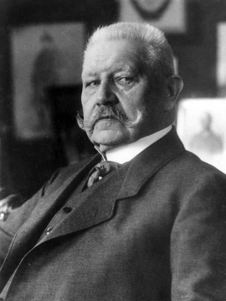 Prezydent Republiki Weimarskiej Paul von Hindenburg – Źródło: Bundesarchiv