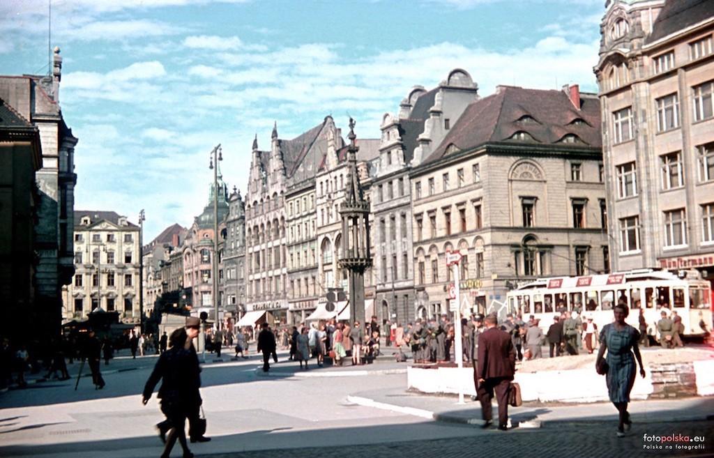 Wrocław, lato 1944 roku, ostatnie miesiąca spokoju – Foto: Walter Genewein Źródło: fotopolska.eu