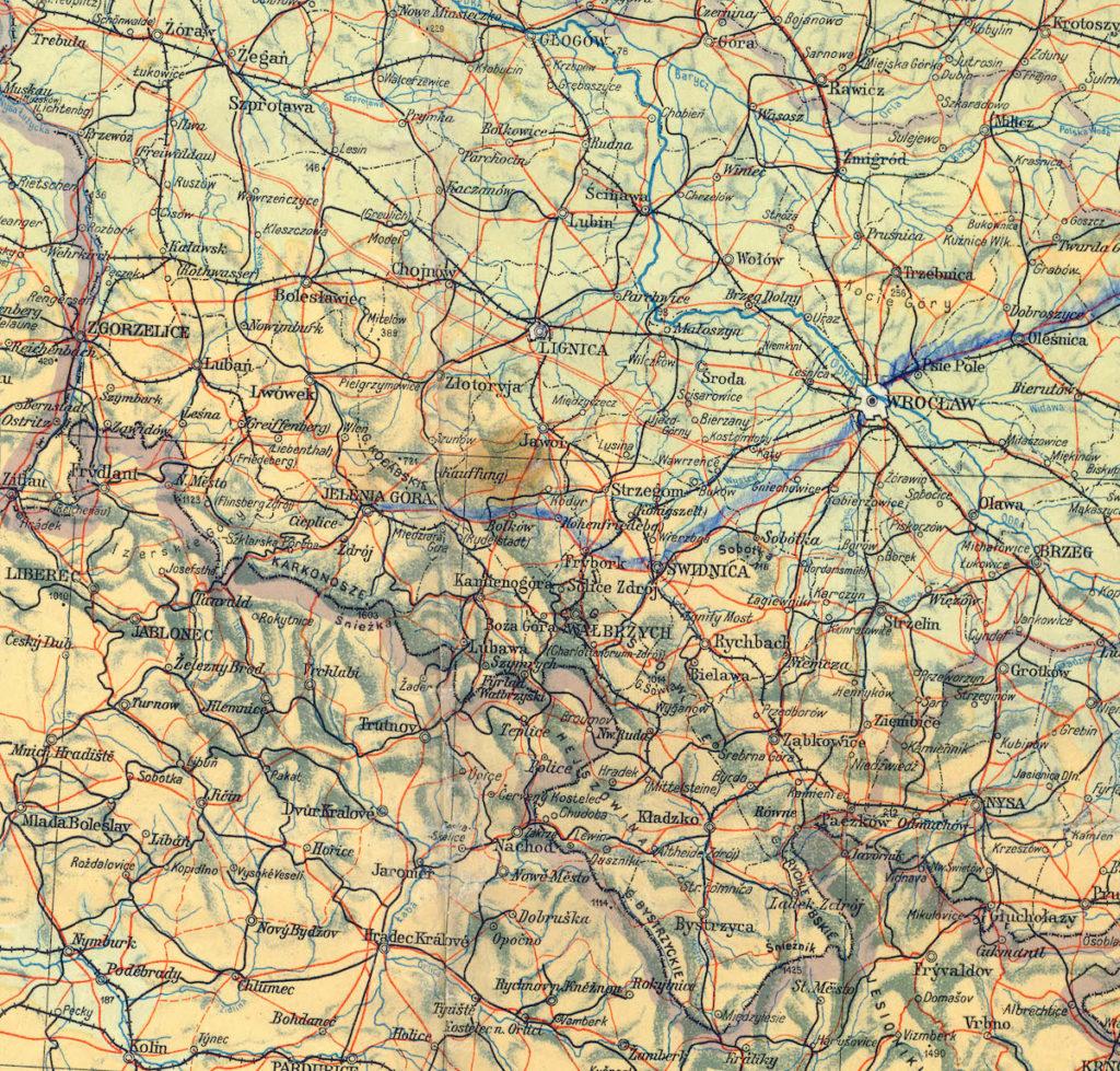 Zbliżenie na Dolny Śląsk na mapie z 1945 roku – Wiele z miejscowości posiada początkowe powojenne nazwy, które później zostały zmienione lub skorygowane np. Kładzko (Kłodzko), Lignica (Legnica), Rychbach (Dzierżoniów), Frybork (Świebodzice), Zgorzelice (Zgorzelec)