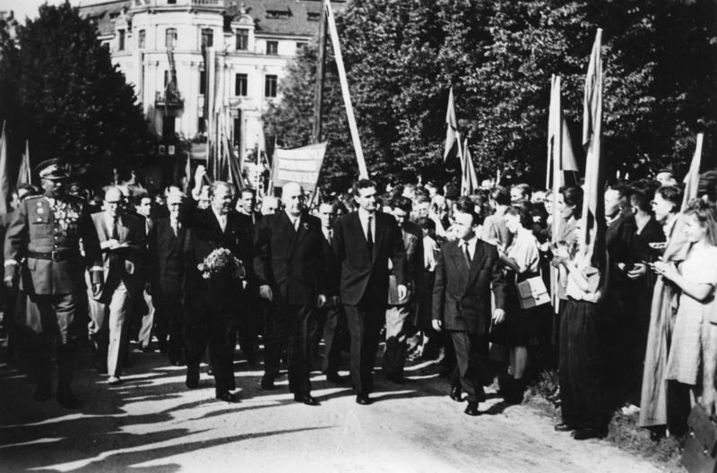 Zawarcie układu zgorzeleckiego w 1950 roku – Józef Cyrankiewicz (PRL) i Otto Grotewohl (NRD)