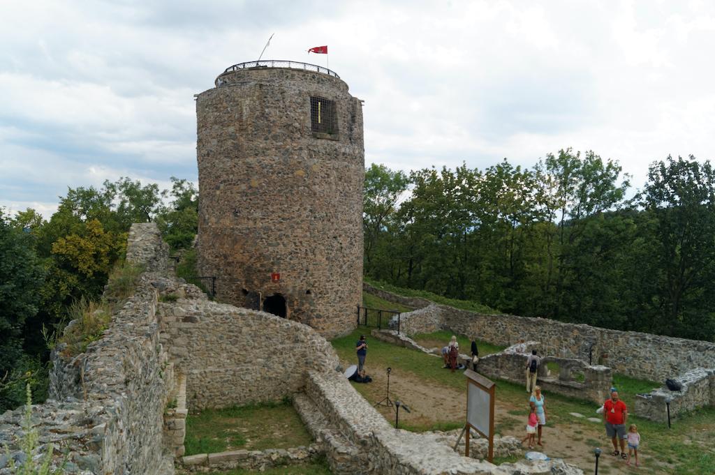 Zamek Wleń, widok z dziedzińca