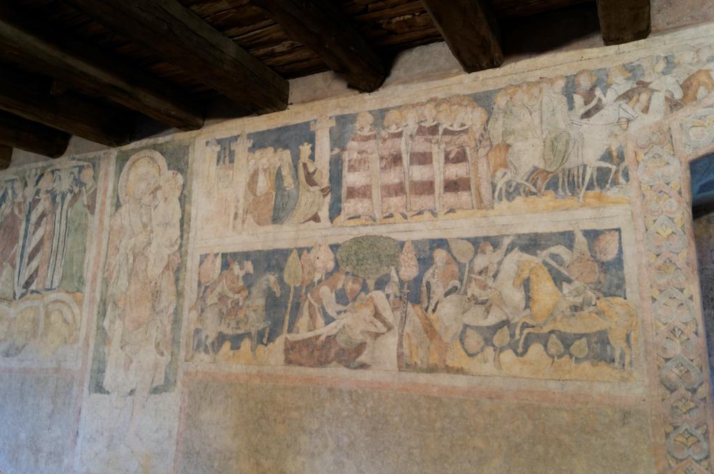 Malowidła przedstawiają legendę o sir Lancelocie z Jeziora