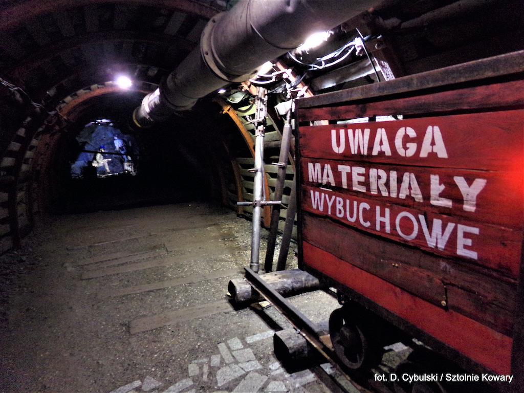 """Podziemna trasa turystyczna w dawnej kopalni uranu """"Liczyrzepa"""" – Foto: Dominik Cybulski"""