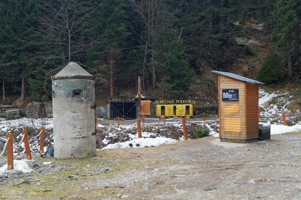 """Kopalnia uranu """"Podgórze"""" w Kowarach"""