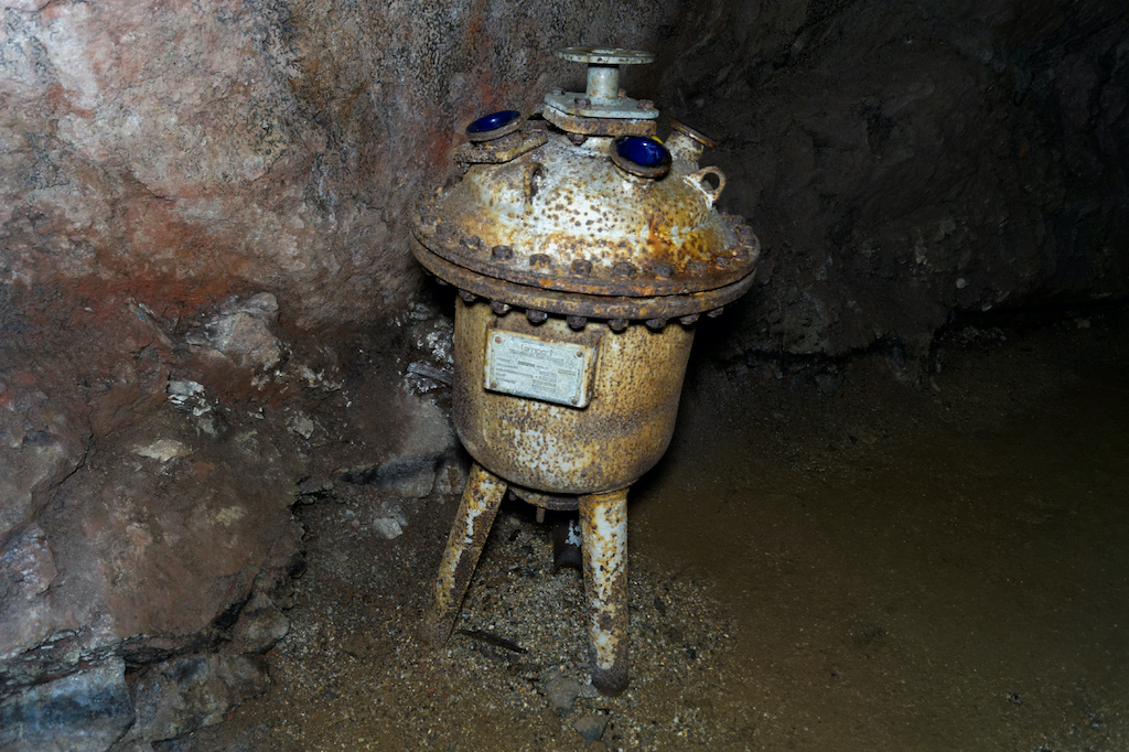 Reaktor chemiczny typu lampart