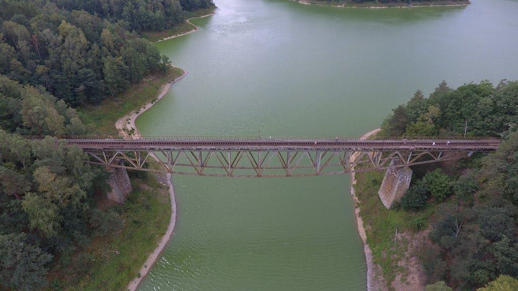 """Słynny pilchowicki most, który miał być wysadzony przez Toma Cruise'a w """"Mission: Impossible 7"""" – Foto: Michał Jabłoński"""