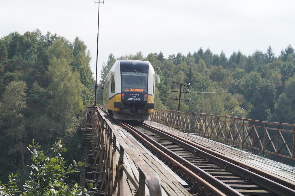 Do 2017 roku po moście jeździły jeszcze pociągi