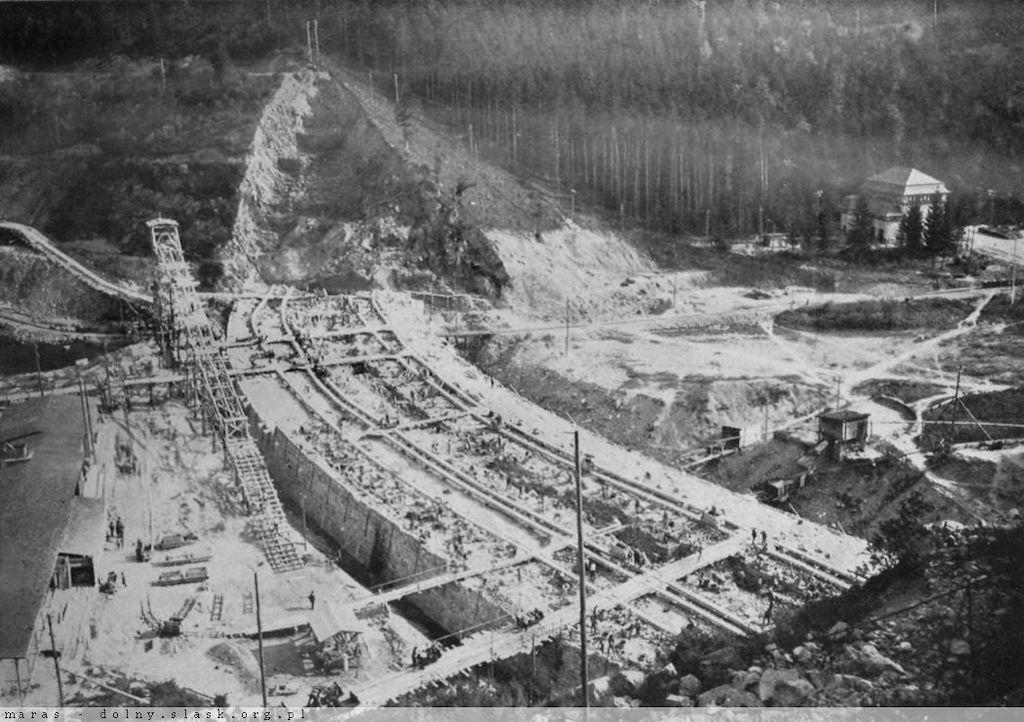 Budowa zapory w Pilchowicach – Źródło: polska-org.pl