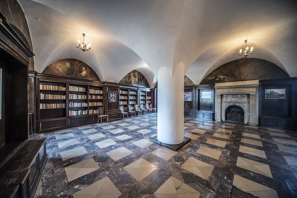 Sala marmurowa (dawna duża biblioteka) – Foto: Adrian Sitko