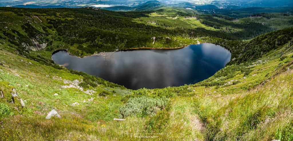 Wielki Staw, największe jezioro polodowcowe w Karkonoszach – Foto: Grzegorz Truchanowicz
