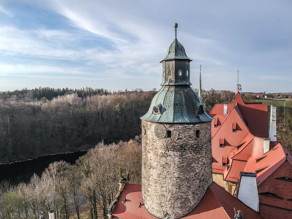 Okrągła wieża zamku to dawny stołp, który uważany jest za najstarszą część zamku – Foto: Adrian Sitko