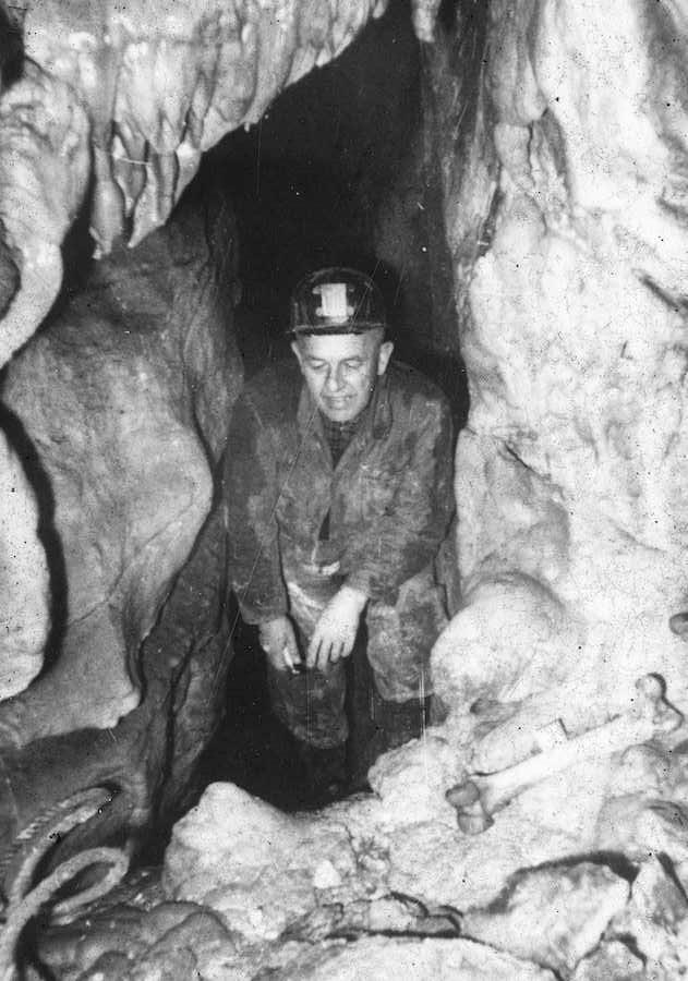 Marian Ciężkowski w trakcie pierwszej wyprawy naukowej – Foto: Ludwik Pikuła Zbiory: Jaskinia Niedźwiedzia
