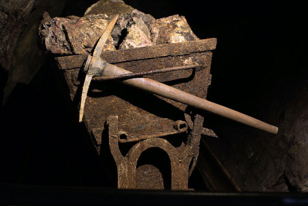 Ekspozycja sprzętu górniczego – Źródło: Kopalnia Kletno