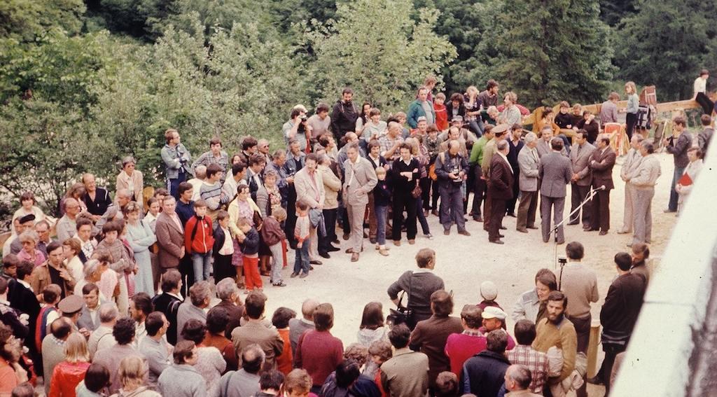 Uroczyste otwarcie Jaskini Niedźwiedziej w Kletnie, 11 czerwca 1983 roku – Foto: Stanisław Marszałek Zbiory: Jaskinia Niedźwiedzia